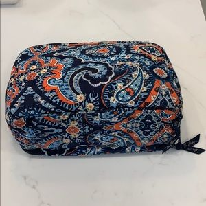 Vera Bradley organizer Toiletry Bag
